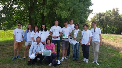 gruppo studenti alla gara botanica